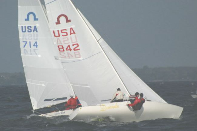 USA 842 Stuart Waker controlling the main in heavy air during the 2004 North American Championship